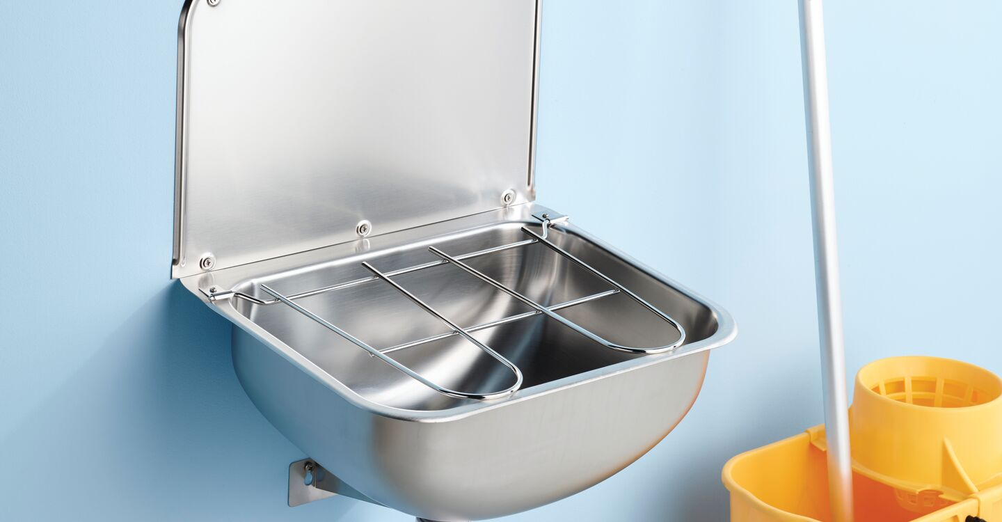 Cleaners sink bucket grating & waste