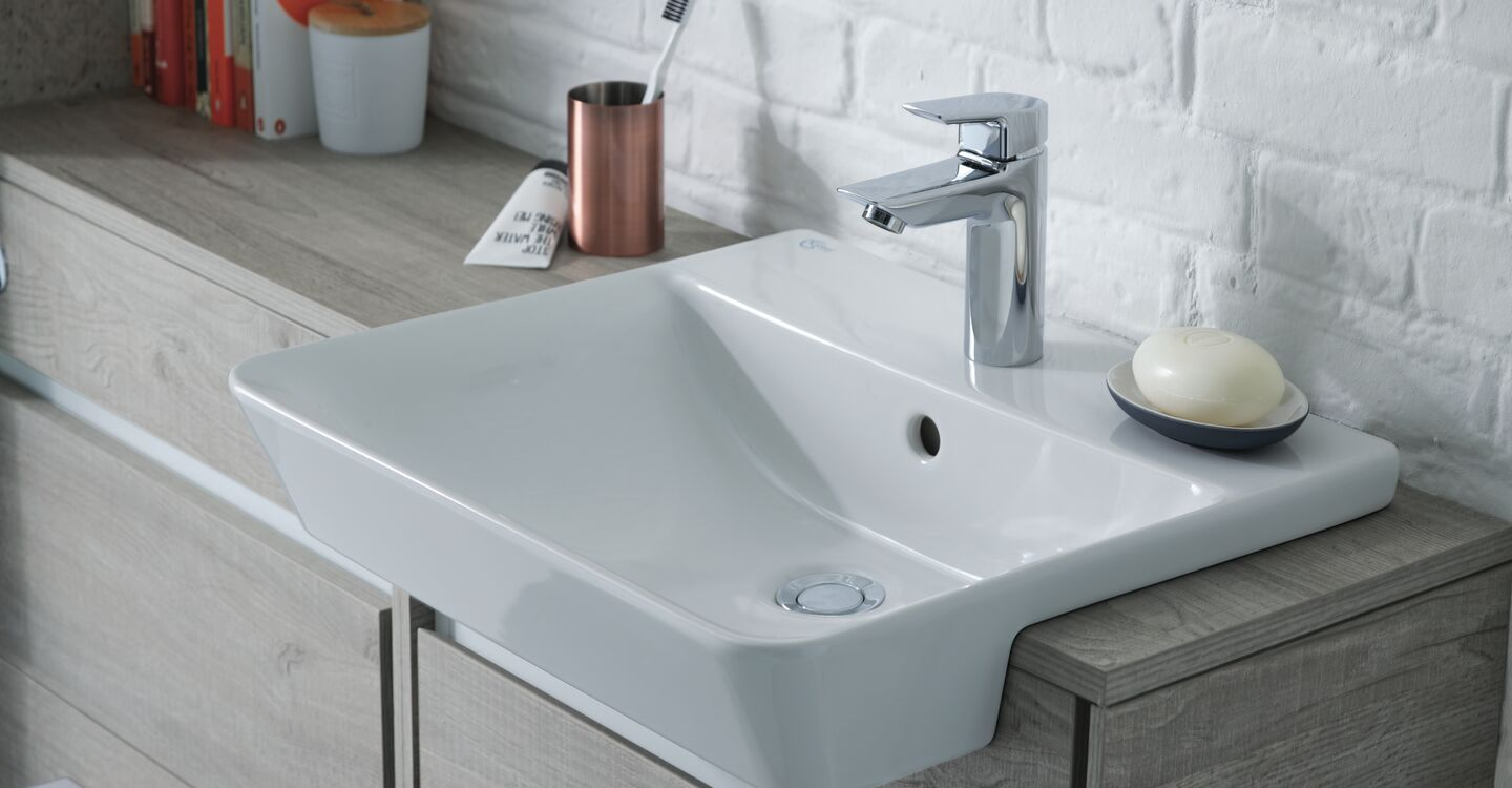 60cm wc unit with pan cistern and seat