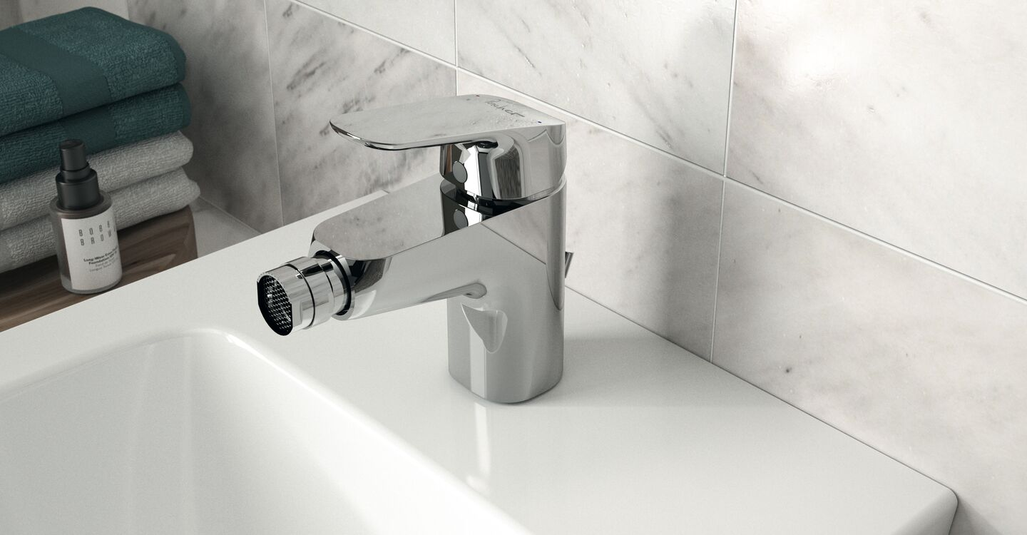 Back to wall bidet, 1 taphole